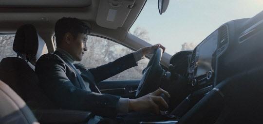 출근길 폭설에도 끄떡없는 사륜구동 `QM6`… TV광고 보니
